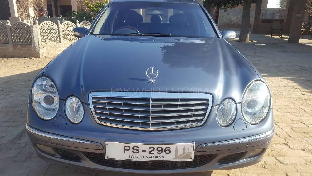 Mercedes Benz E Class E320 2003 Image-1