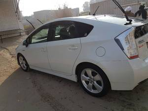 Slide_toyota-prius-g-led-edition-1-8-2010-15251769