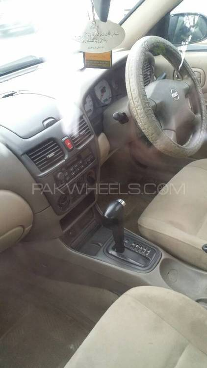 Nissan Sunny EX Saloon Automatic 1.6 2005 Image-1