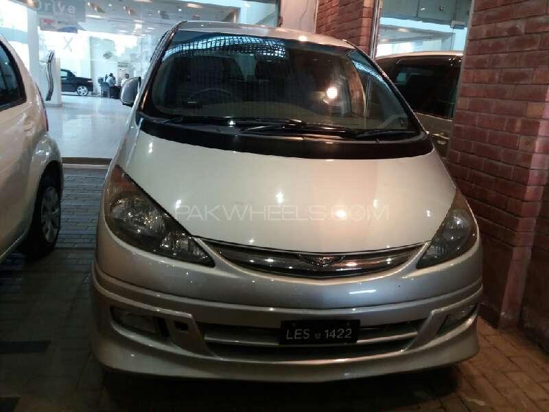 Toyota Estima X 2001 Image-1