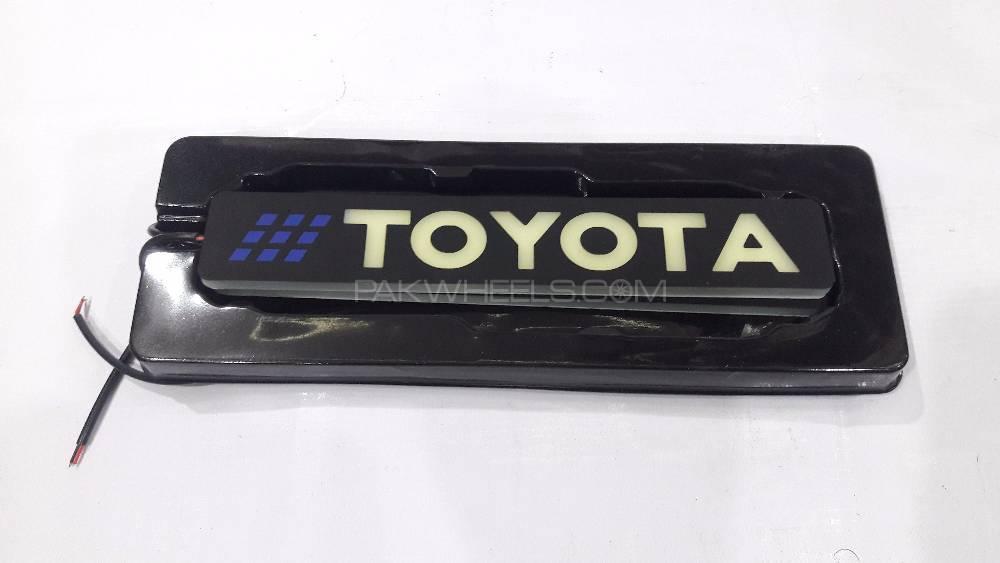 LED Toyota Logo Light Image-1