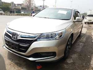 Slide_honda-accord-hybrid-5-2013-15481861