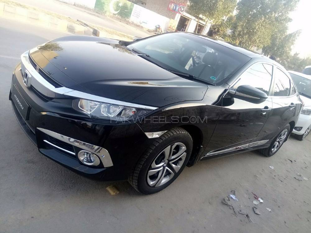 honda civic 1 8 i vtec cvt 2017 for sale in bahawalpur pakwheels. Black Bedroom Furniture Sets. Home Design Ideas