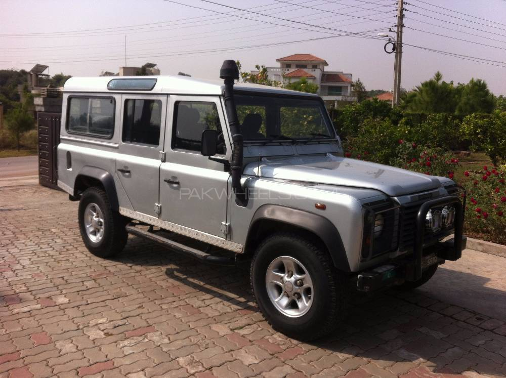 land rover defender 110 sw 2004 for sale in islamabad pakwheels. Black Bedroom Furniture Sets. Home Design Ideas