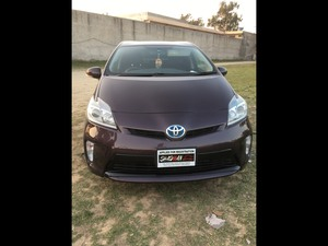 Slide_toyota-prius-s-touring-selection-my-coorde-1-8-2013-15882537