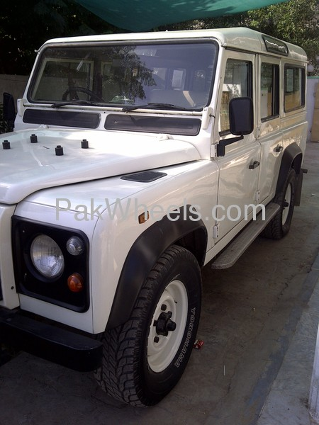 Land Rover Defender 1995 Image-1