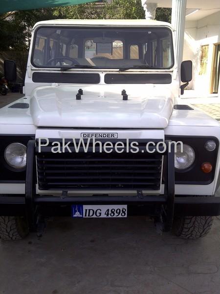 Land Rover Defender 1995 Image-2