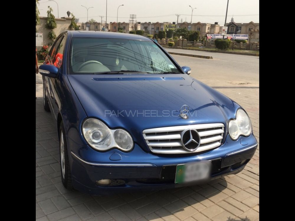 mercedes benz c class c200 2001 for sale in lahore pakwheels. Black Bedroom Furniture Sets. Home Design Ideas