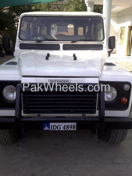 Land Rover Defender 1995 Image-1