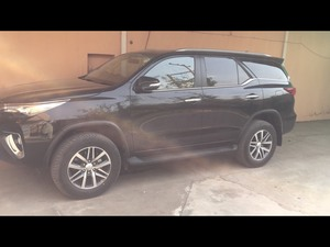 Slide_toyota-fortuner-2-7-automatic-2017-16661603