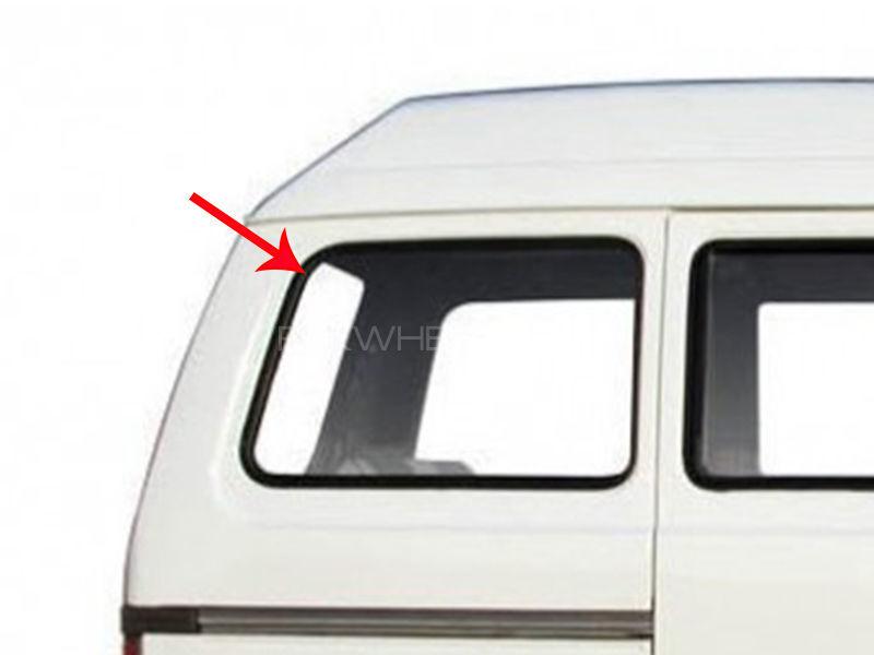 Suzuki Bolan Cabin Glass LH or RH 1pc Image-1