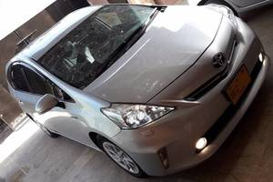 Slide_toyota-prius-alpha-s-l-selection-2012-16813476