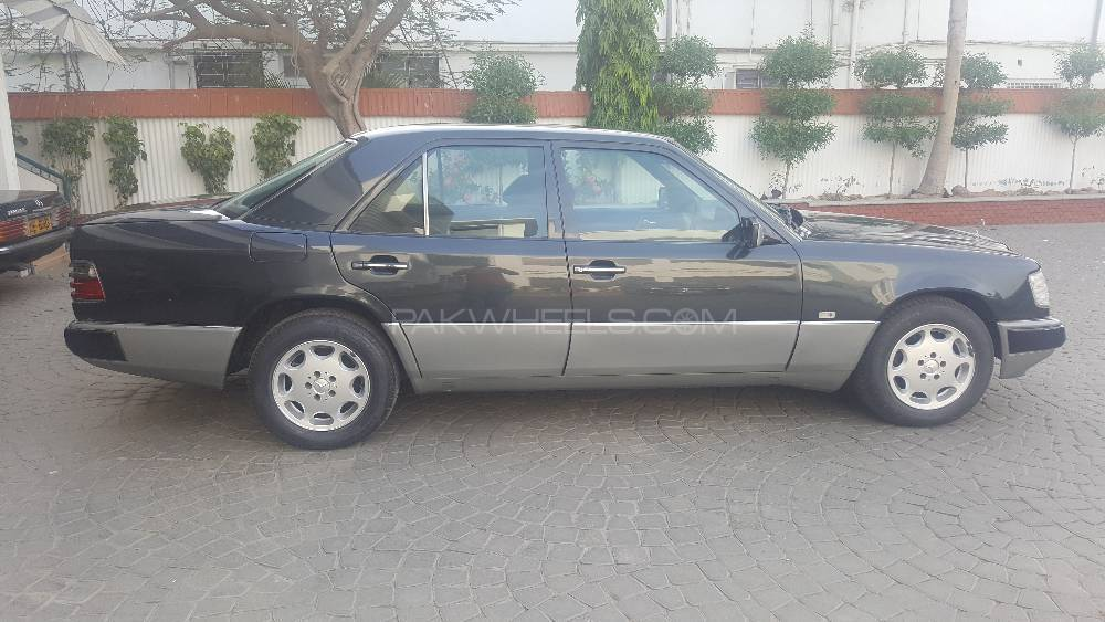 Mercedes benz e class 1990 for sale in karachi pakwheels for Mercedes benz 1990 e300