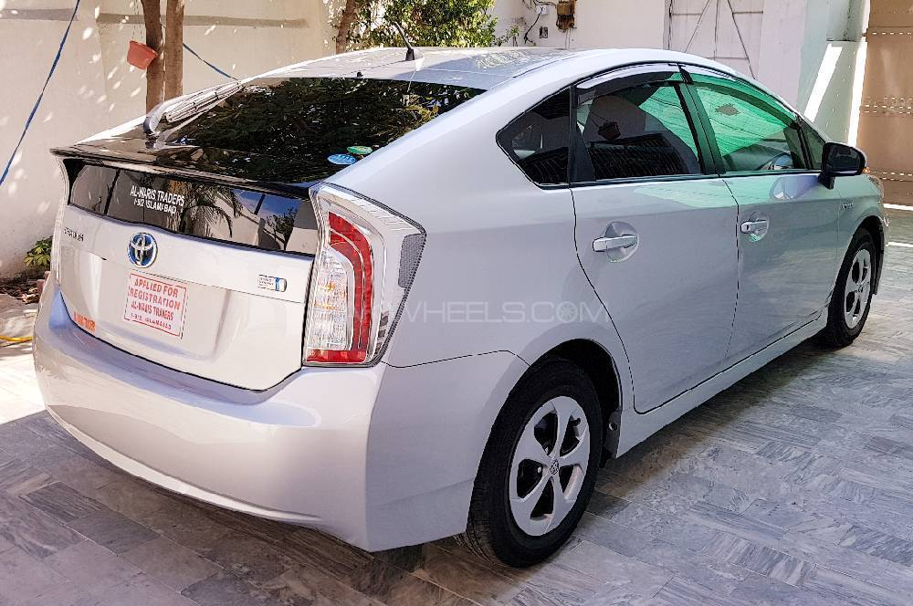 toyota prius 2014 for sale in islamabad pakwheels. Black Bedroom Furniture Sets. Home Design Ideas