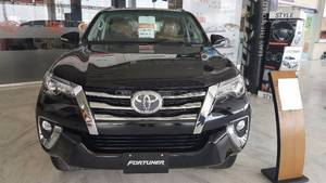 Slide_toyota-fortuner-2-7-automatic-2017-17013823