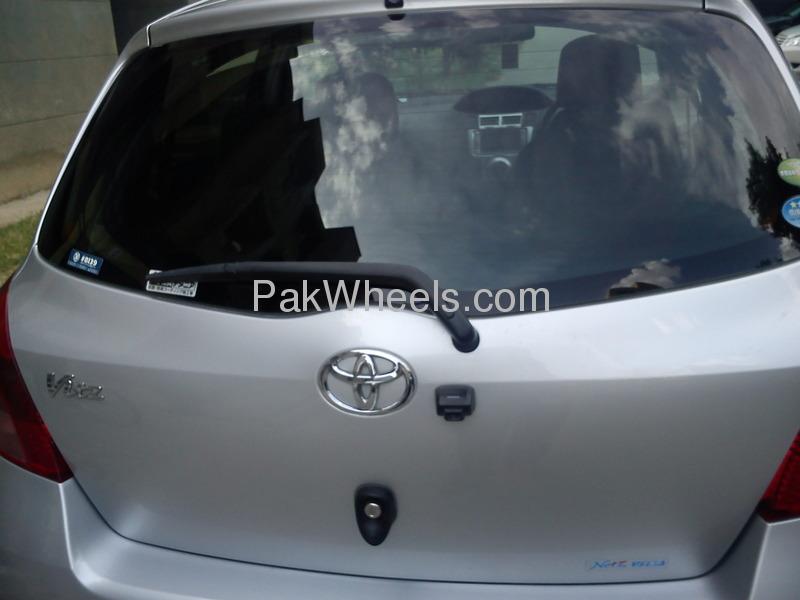 Toyota Vitz FL 1.0 2007 Image-9