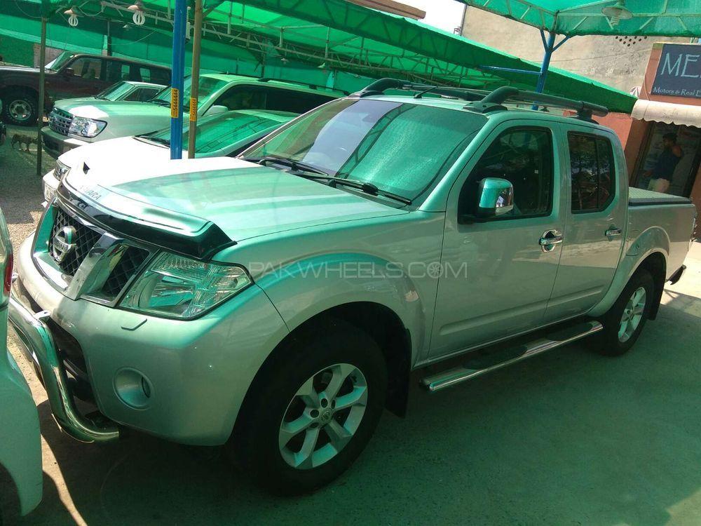 Nissan Navara 2012 Image-1