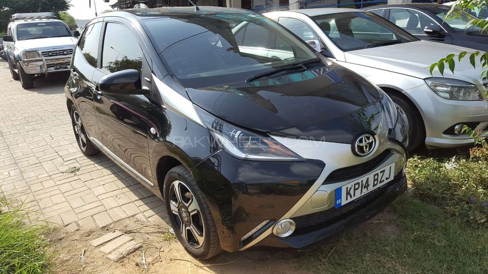 Toyota Aygo Standard 2015 Image-1