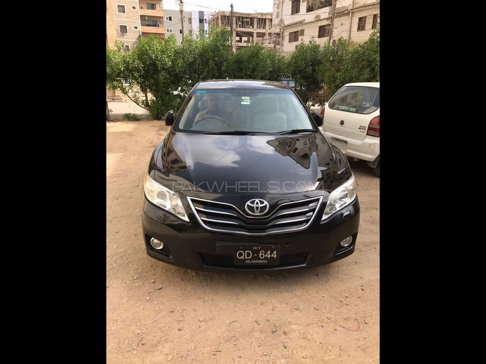 Toyota Camry 2010 Image-1