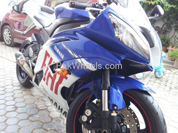 Yamaha YZF-R1 2010 Image-3