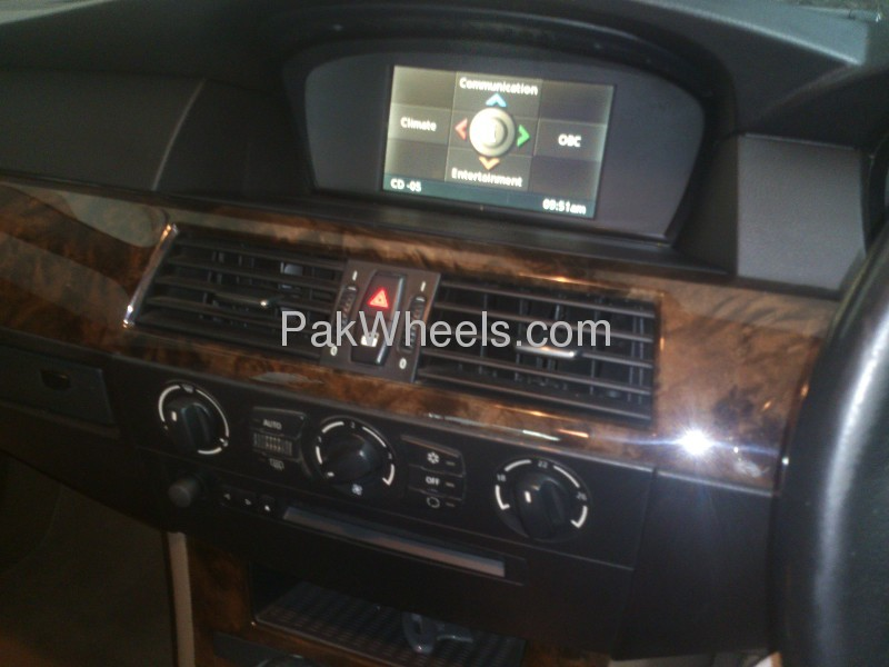 BMW 5 Series 530i 2006 Image-5