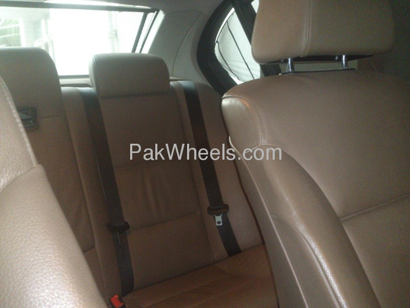 BMW 5 Series 530i 2006 Image-6