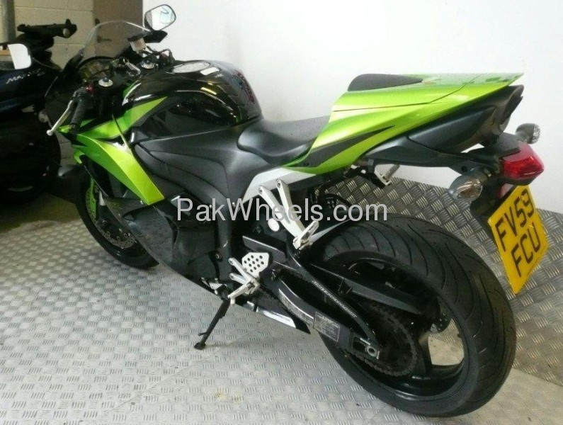 Used Honda CBR 600RR 2009 Bike for sale in Lahore - Used Bike 99815 - 1743984