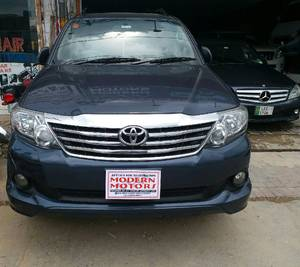 Slide_toyota-fortuner-2-7-automatic-2013-17429092
