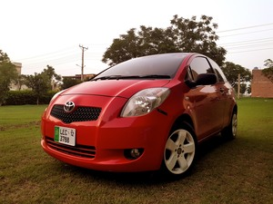 Slide_toyota-yaris-2006-17422306