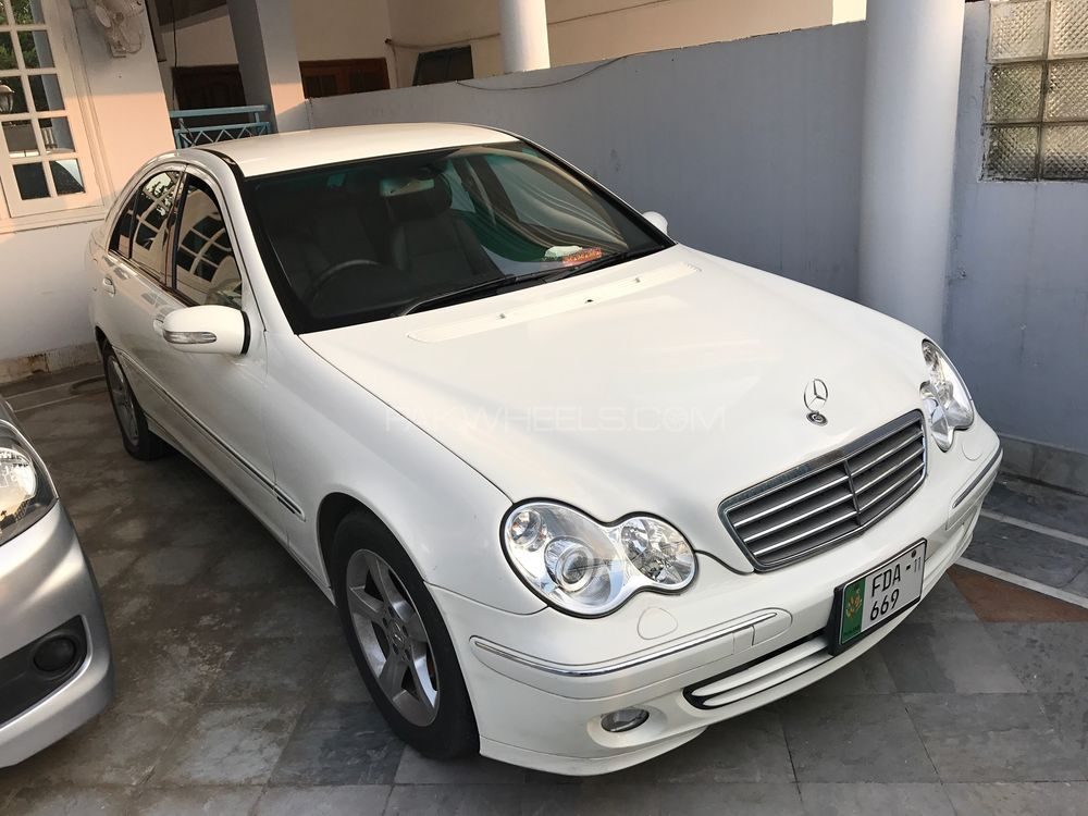 Mercedes benz c class 2006 for sale in karachi pakwheels for Mercedes benz c class 2006 for sale