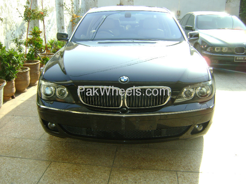 BMW 7 Series 740Li 2007 Image-2