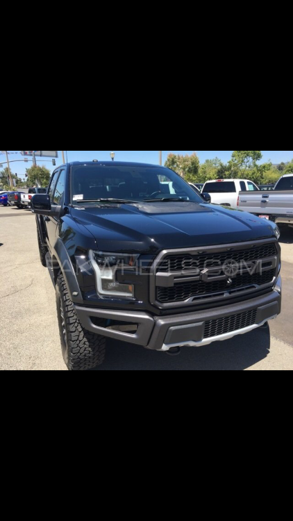 Ford F 150 Raptor 2017 Image-1