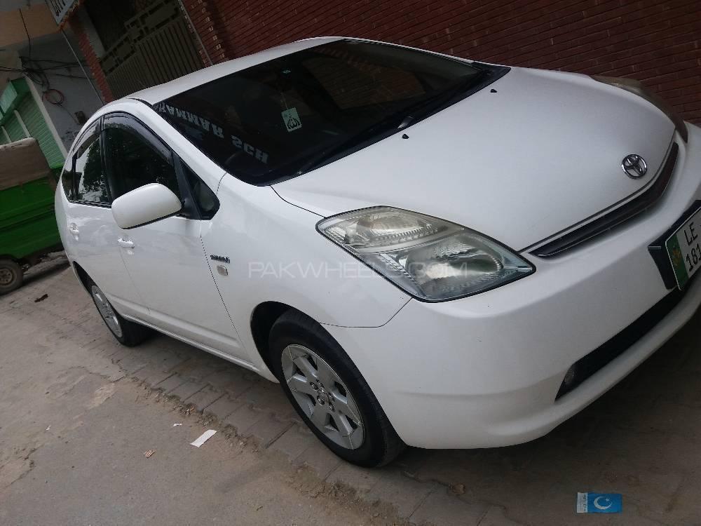 Toyota Prius PHV (Plug In Hybrid) 2013 Image-1