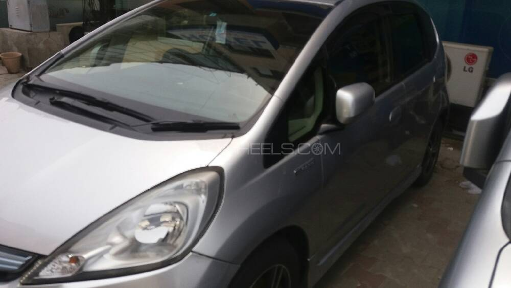 Honda Fit 1.3 Hybrid Navi Premium Selection 2012 Image-1