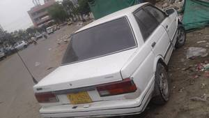 Slide_nissan-sunny-1-3-executive-saloon-m-t-cng-1986-17725605