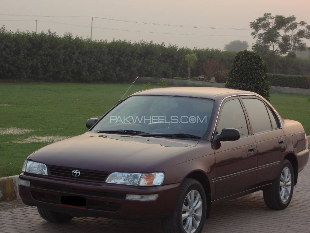 Toyota Corolla XE 1999 Image-1