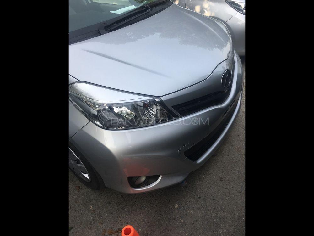Toyota Vitz F 1.3 2014 Image-1
