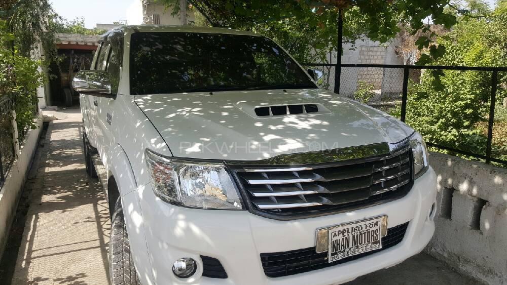 Toyota Hilux 2013 Image-1