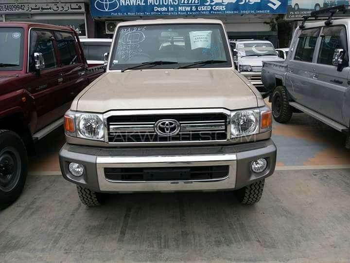 Toyota Pickup 2014 Image-1