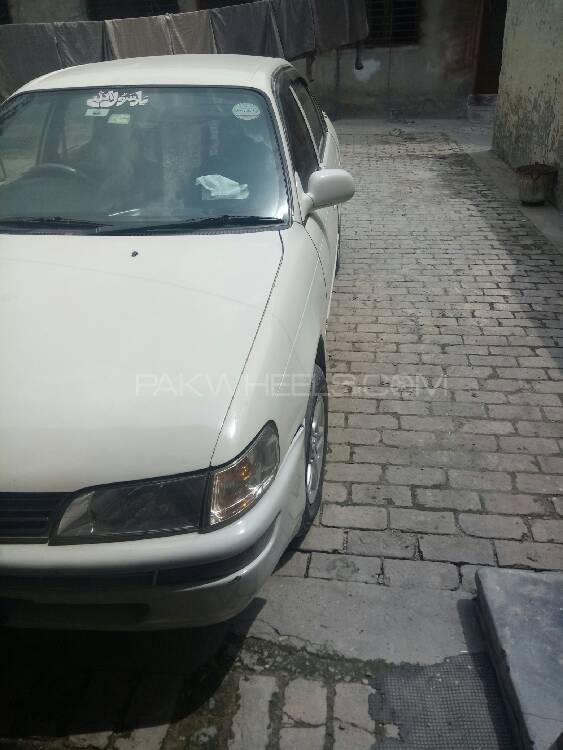Toyota Corolla XE-G 2000 Image-1