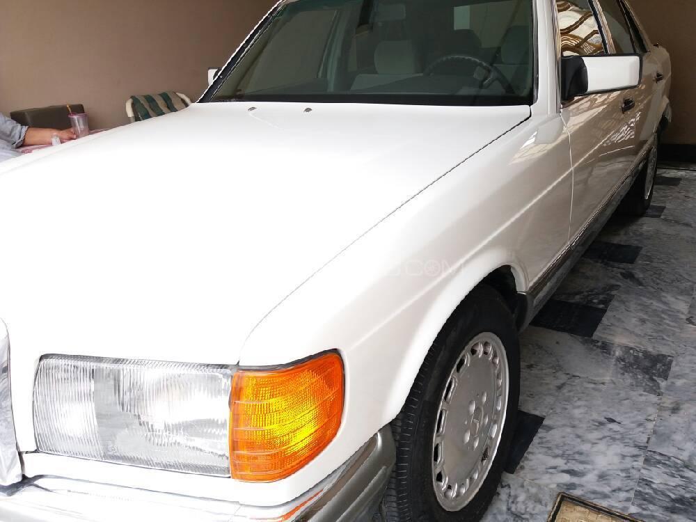 Mercedes Benz S Class S280 1986 Image-1
