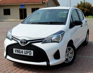 Slide_toyota-yaris-2015-18003361
