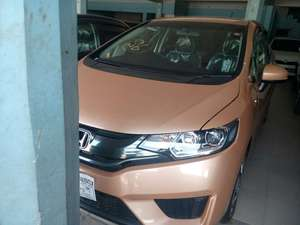 Slide_honda-fit-hybrid-base-grade-1-3-2013-18097496