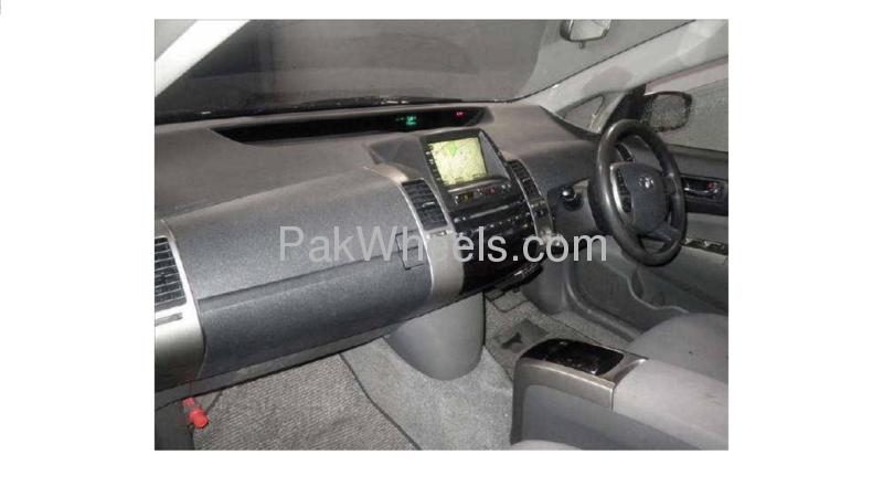 Toyota Prius S 1.5 2007 Image-2