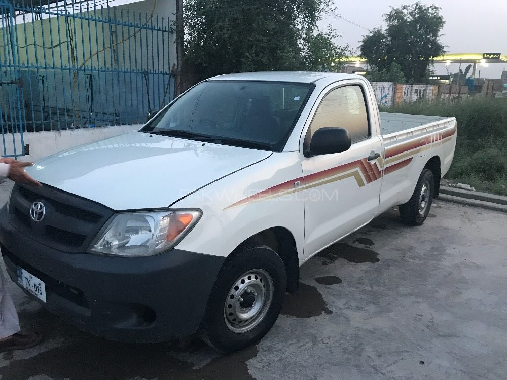 Toyota Hilux 4x2 Single Cab Standard 2011 Image-1