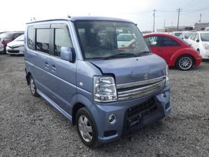 Slide_suzuki-every-wagon-pz-turbo-special-2013-18393337