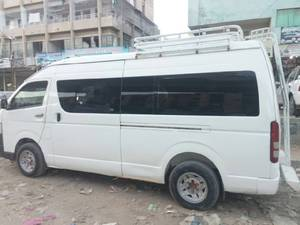 Slide_toyota-hiace-3-0-high-roof-2012-18391580