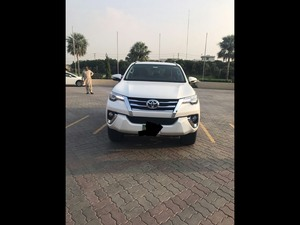 Slide_toyota-fortuner-2-7-automatic-2017-18524759