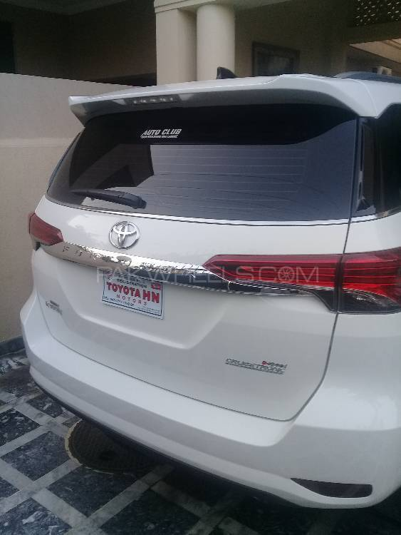 Toyota Fortuner 2.8 Sigma 4 2017 Image-1