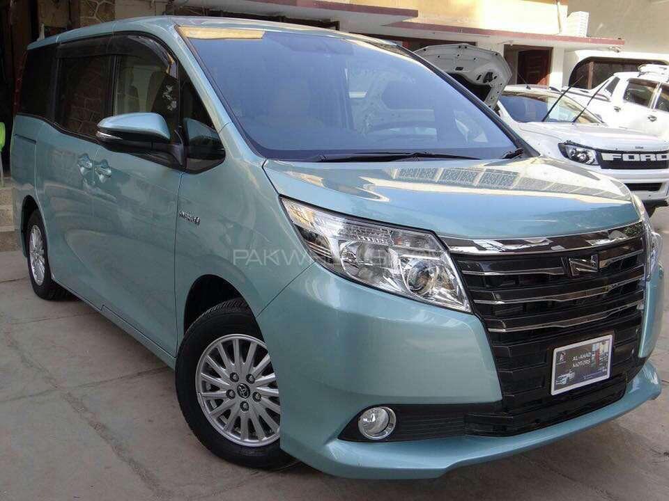 Toyota Noah 2015 Image-1